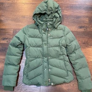 J Crew olive Green Down Puffer Coat w/Hood sz XS